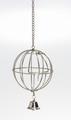 Beeztees Кормушка-мяч металлическая подвесная с дверцей и колокольчиком