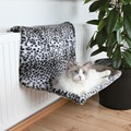 Trixie Гамак для кошки на радиатор Снежный барс